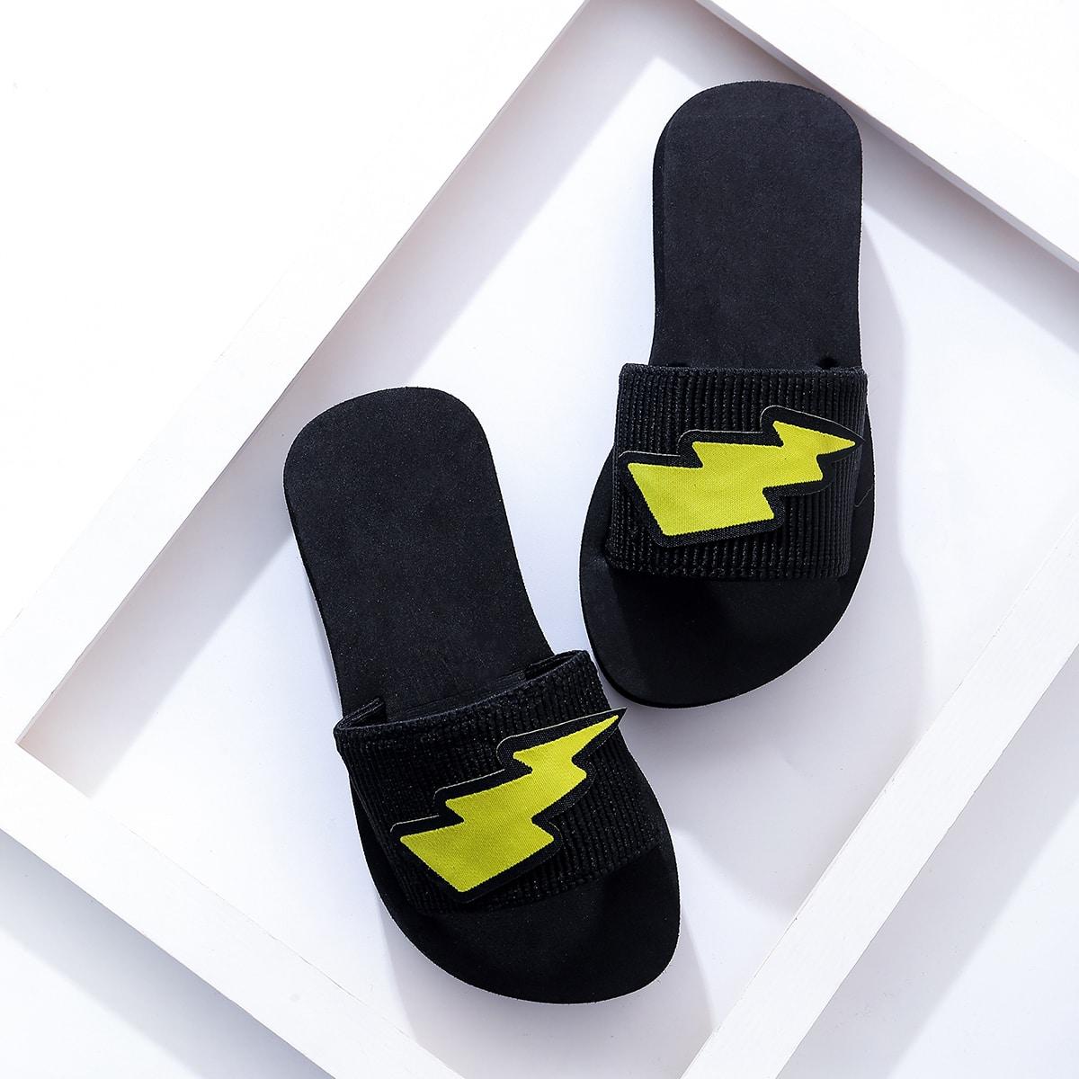 SHEIN / Toddler Boys Lightning Bolt Patch Slippers