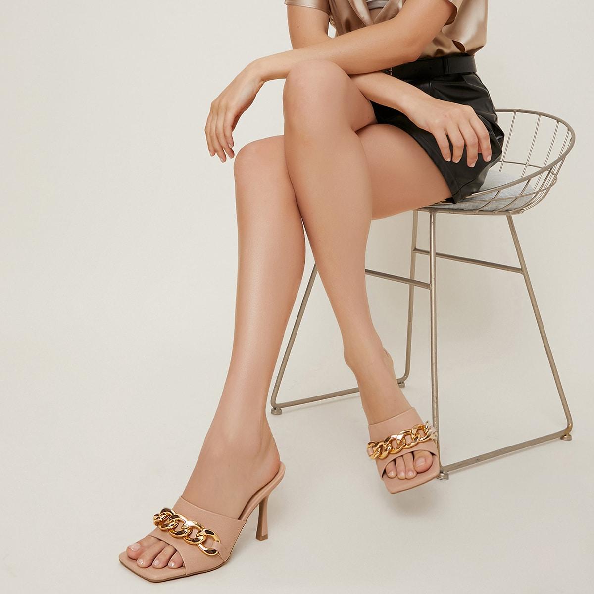 Кожаные туфли на шпильке с цепочкой от SHEIN