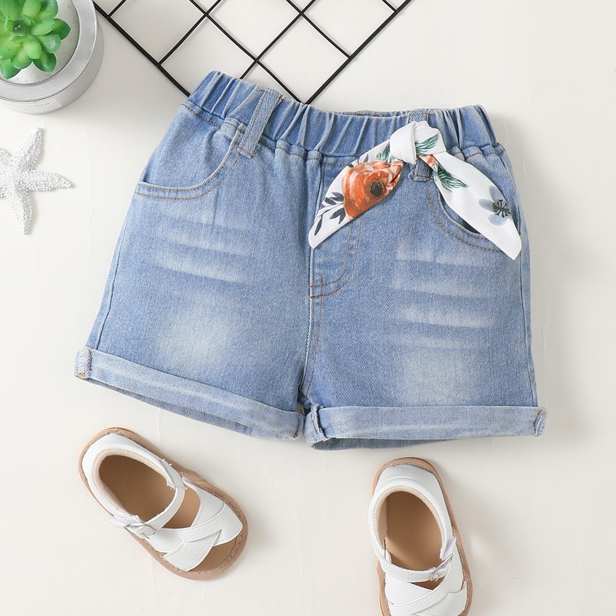для девочек Джинсовые шорты цветочным рисунком лента от SHEIN