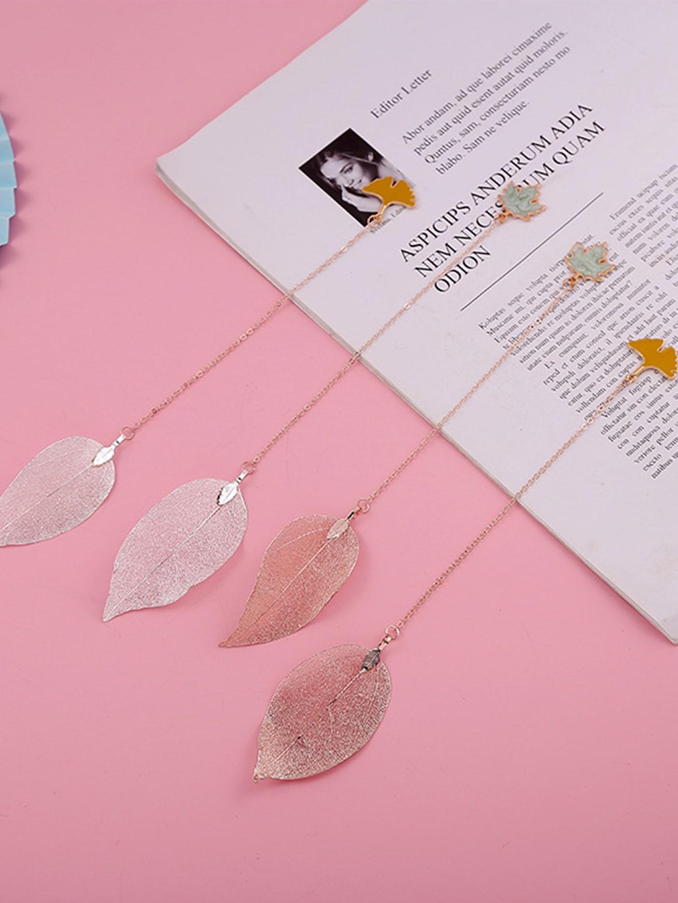 1Pc Leaf Shaped Random Bookmark