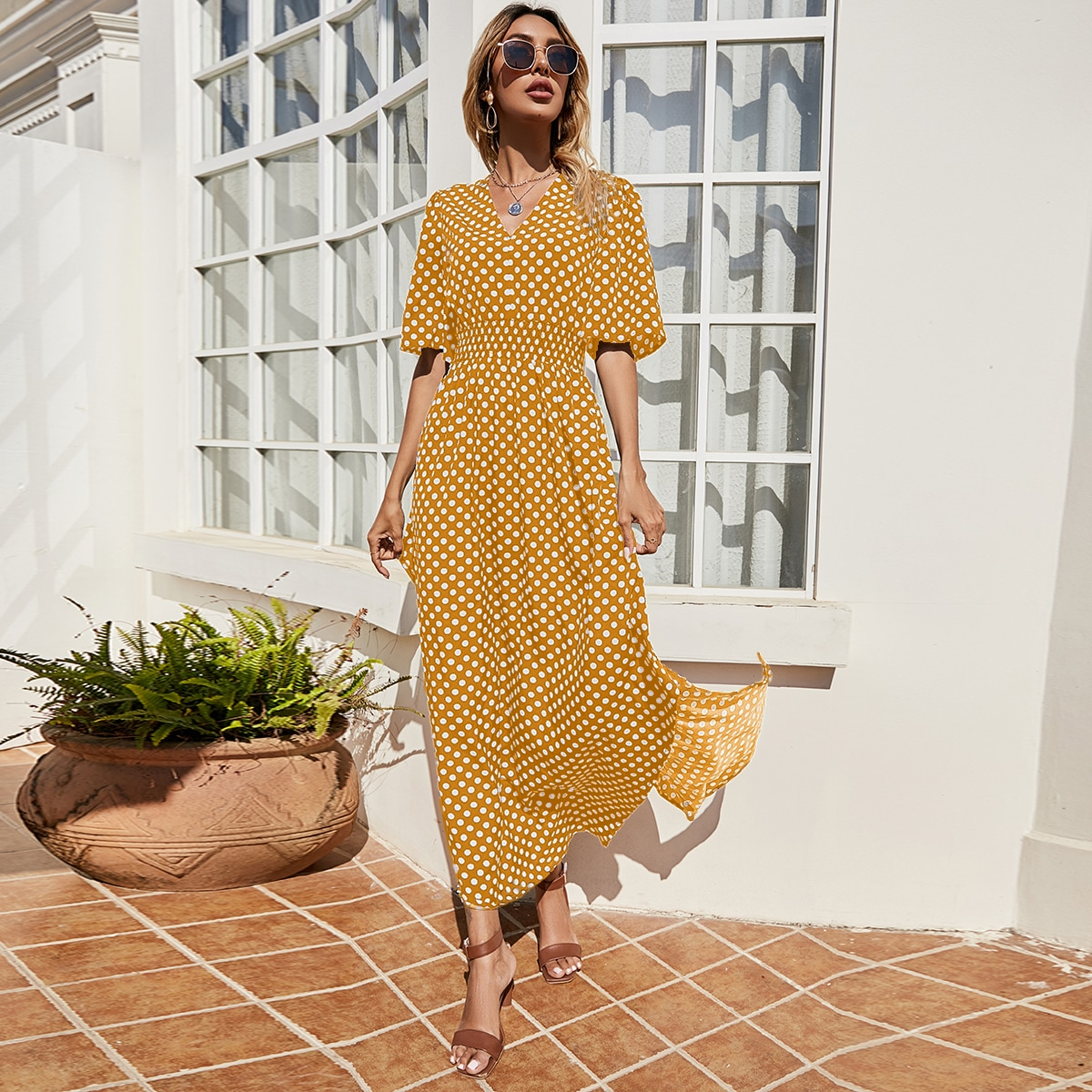 Платье в горошек SheIn swdress23210420992