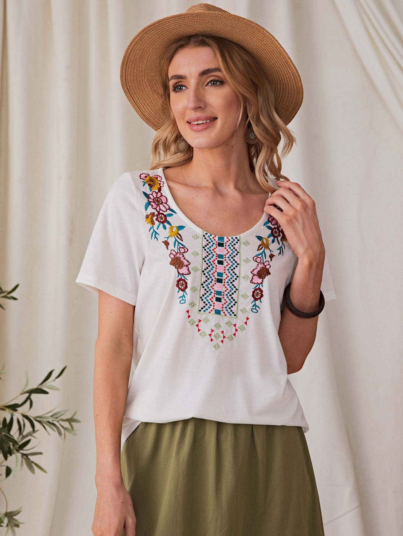 Floral Embroidered Short Sleeve Tee