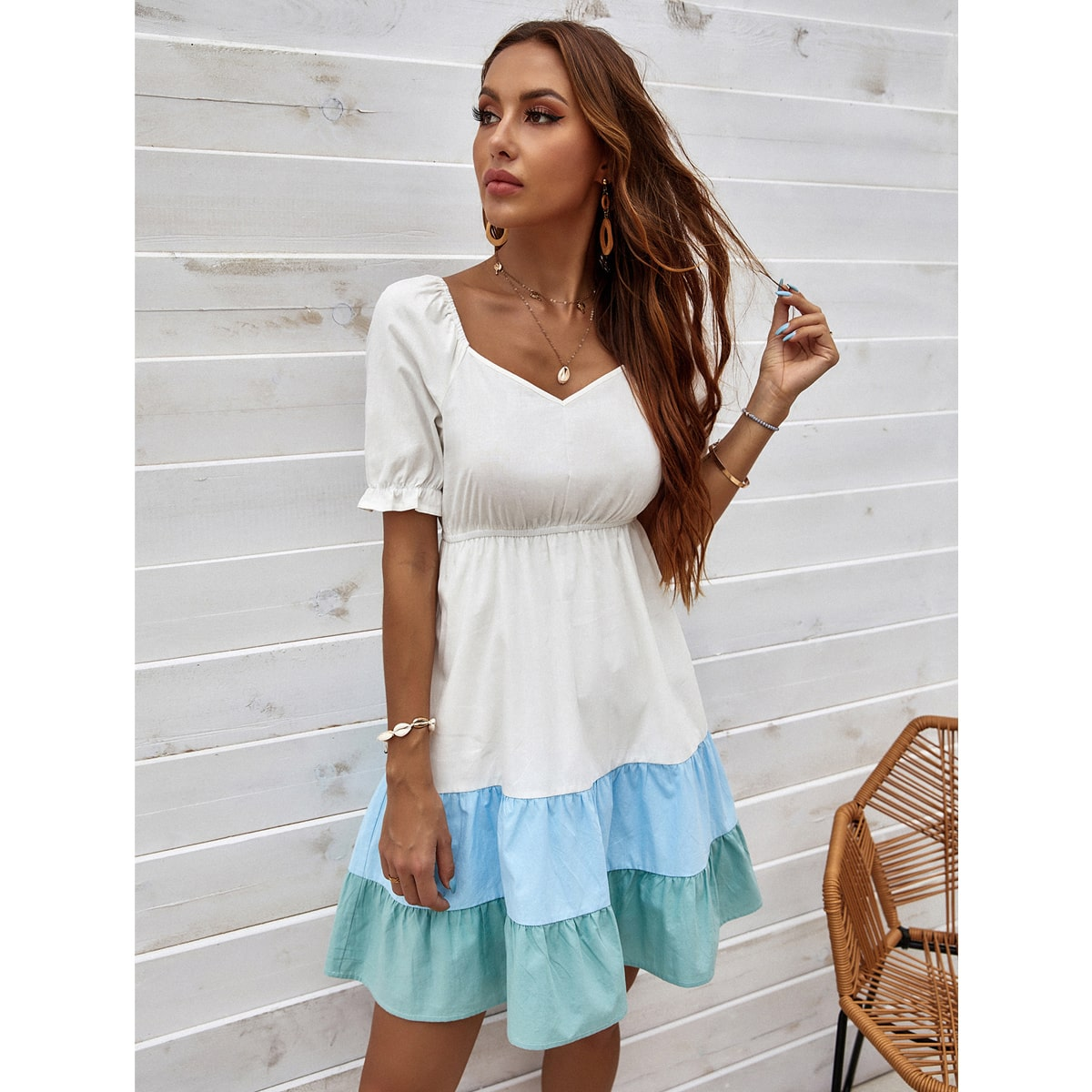 Платье контрастный с глубоким декольте SheIn swdress23210419447