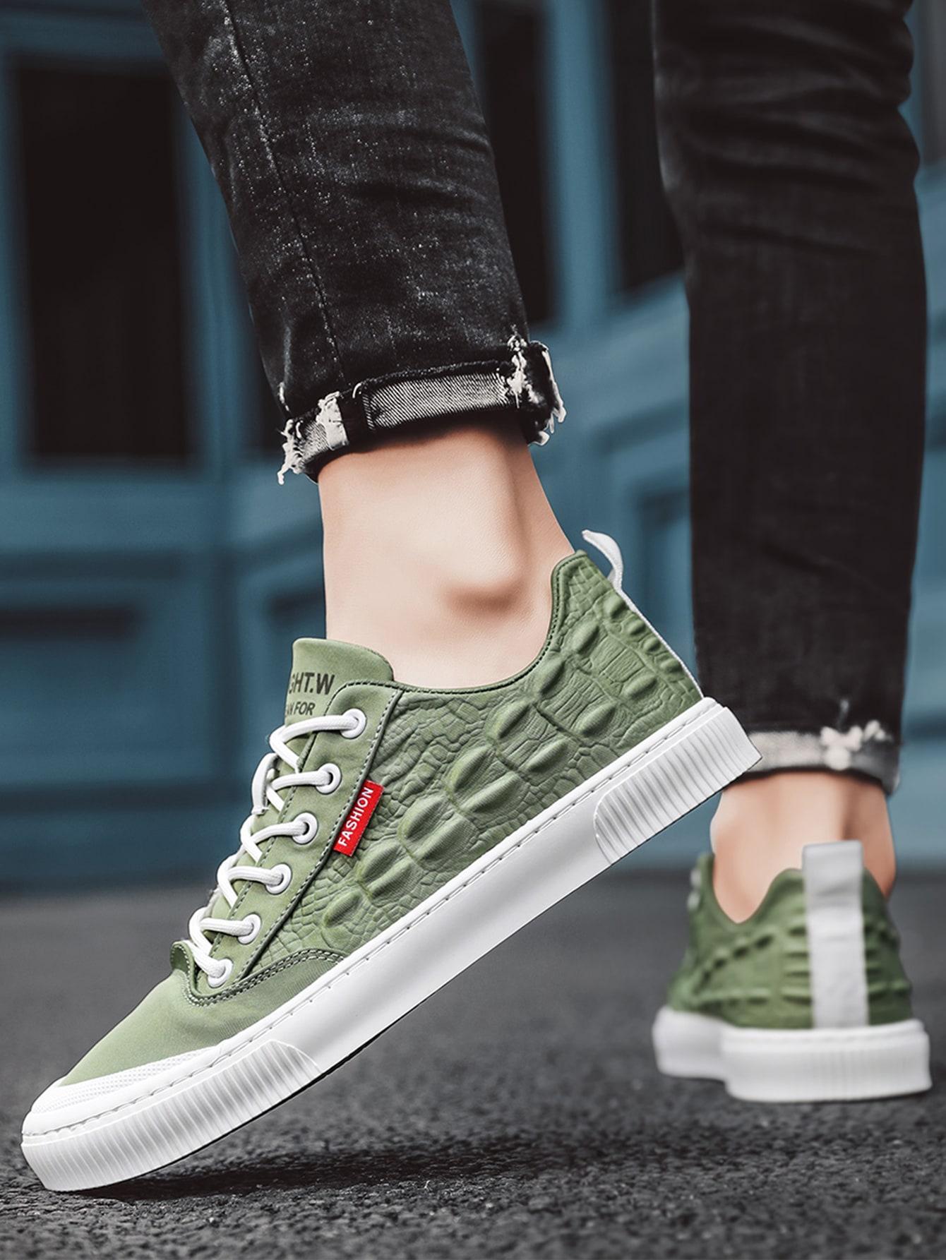 Men Croc Embossed Lace-Up Front Skate Shoes