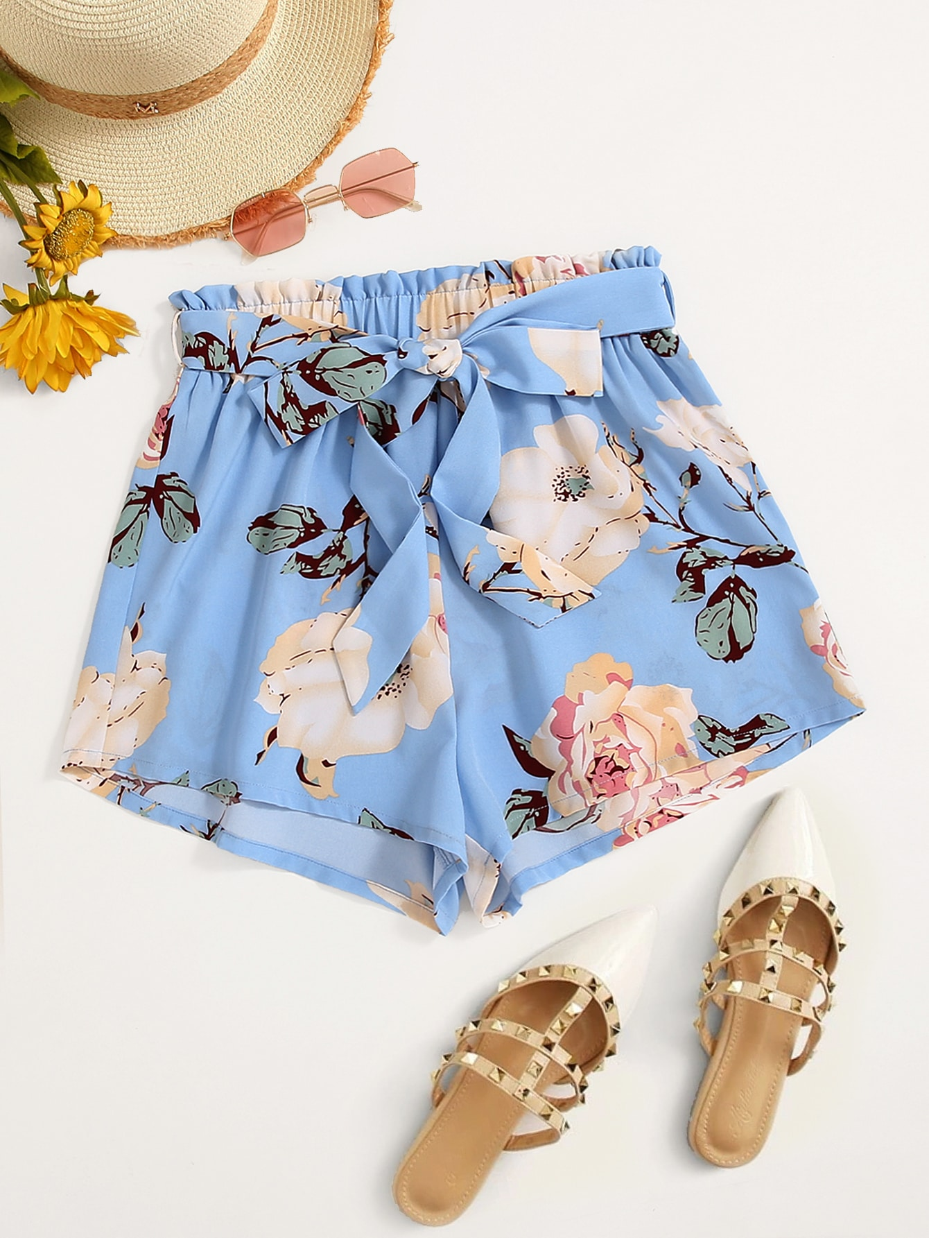 Plus Floral Print Belted Shorts