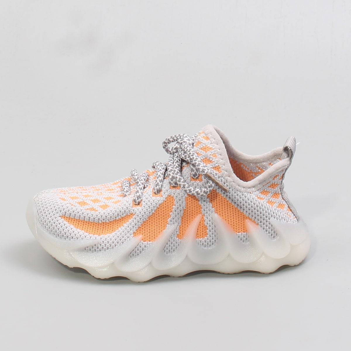 Двухцветные трикотажные кроссовки для девочек от SHEIN