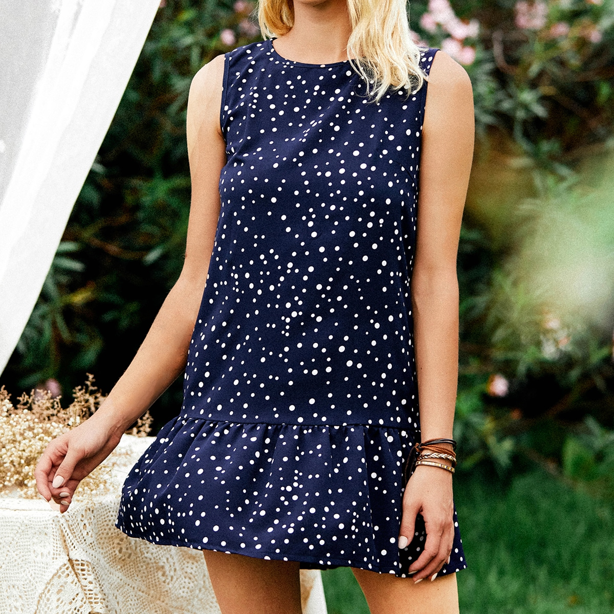 Платье в горошек SheIn swdress25210430516