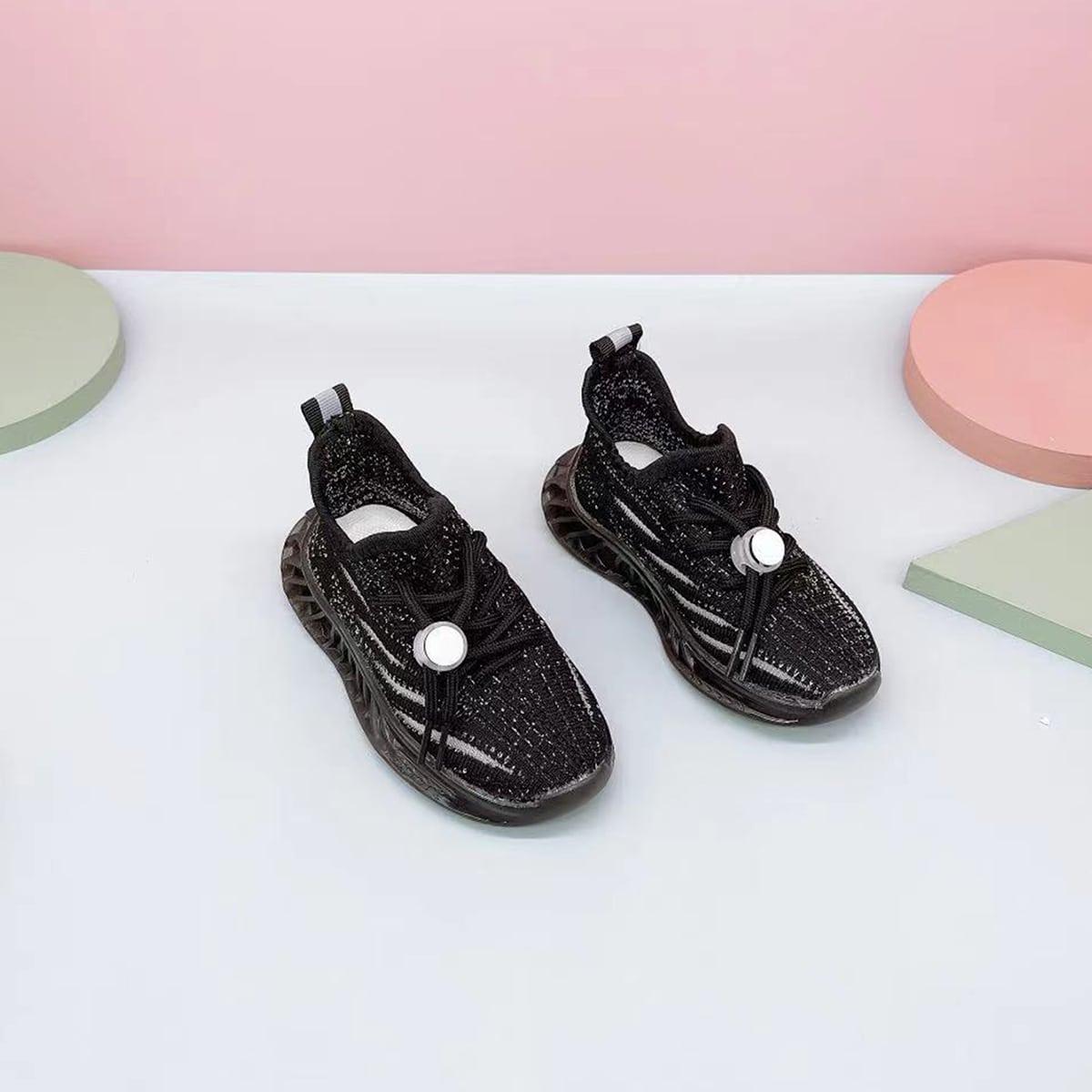 Трикотажные спортивные туфли для мальчиков от SHEIN