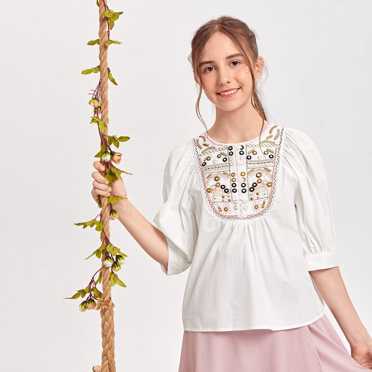 Teen Girls Floral Embroidered Puff Sleeve Top