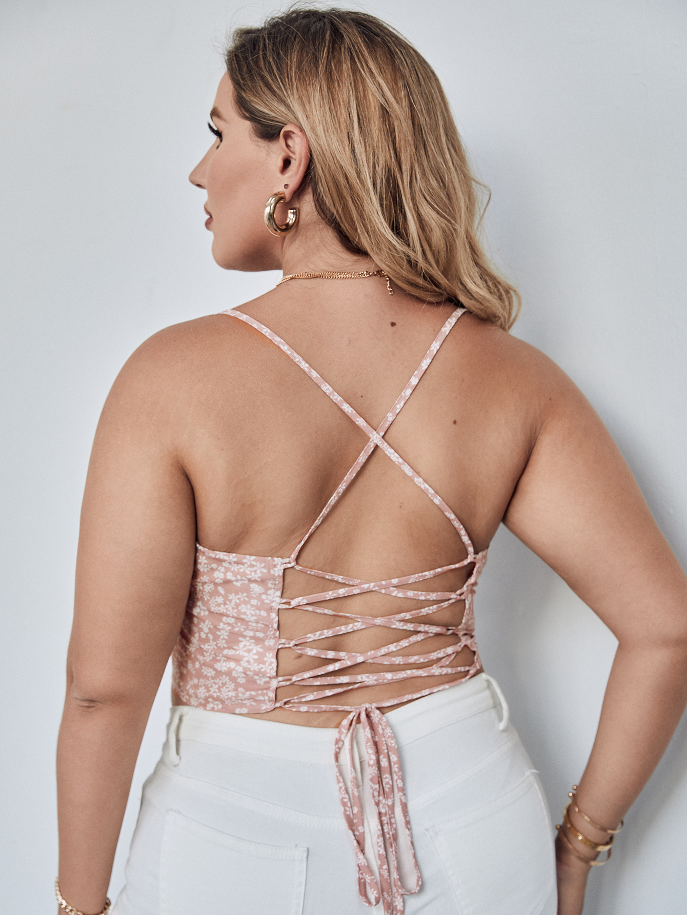 Plus Lace Up Back Ditsy Floral Cami Top