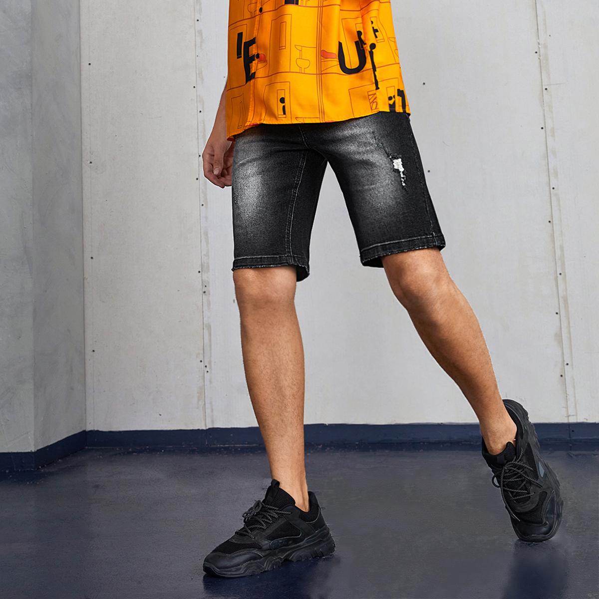 Мужской Джинсовые шорты-бермуды рваный стиранный от SHEIN