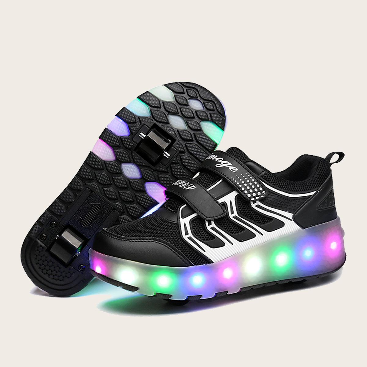 Дышащие туфли на роликах с зарядкой USB для мальчиков от SHEIN