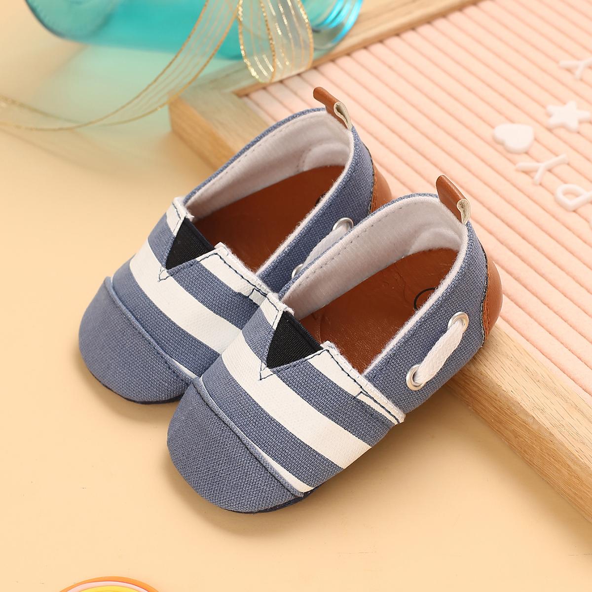 SHEIN Flats met gestreept patroon voor babyjongens