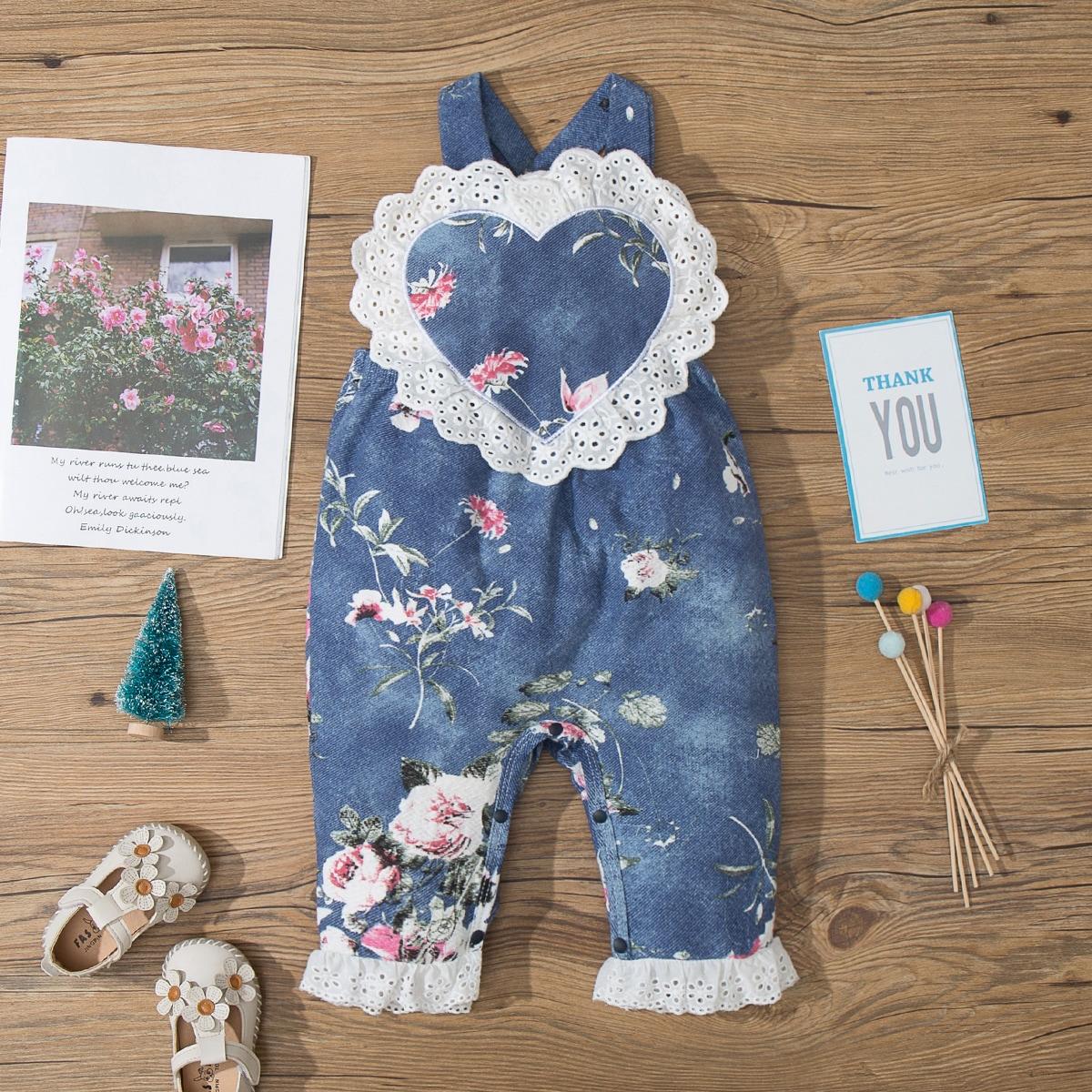 для девочек Джинсовый комбинезон цветочным рисунком контрастный кружевное шитье от SHEIN