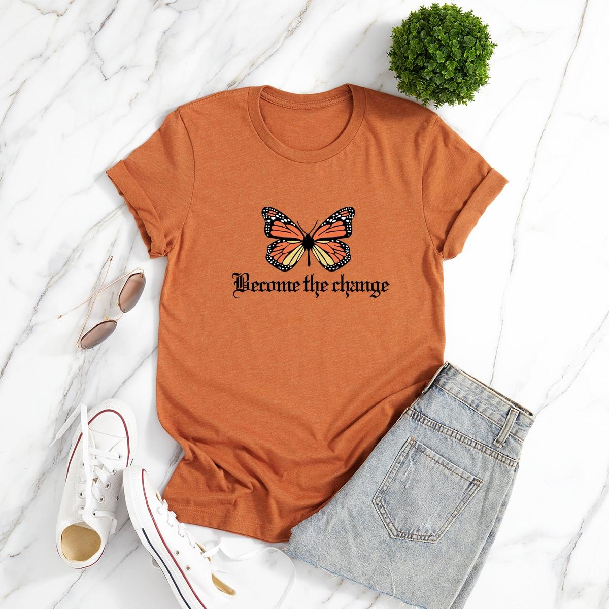 T-shirt à motif de papillon et de slogan