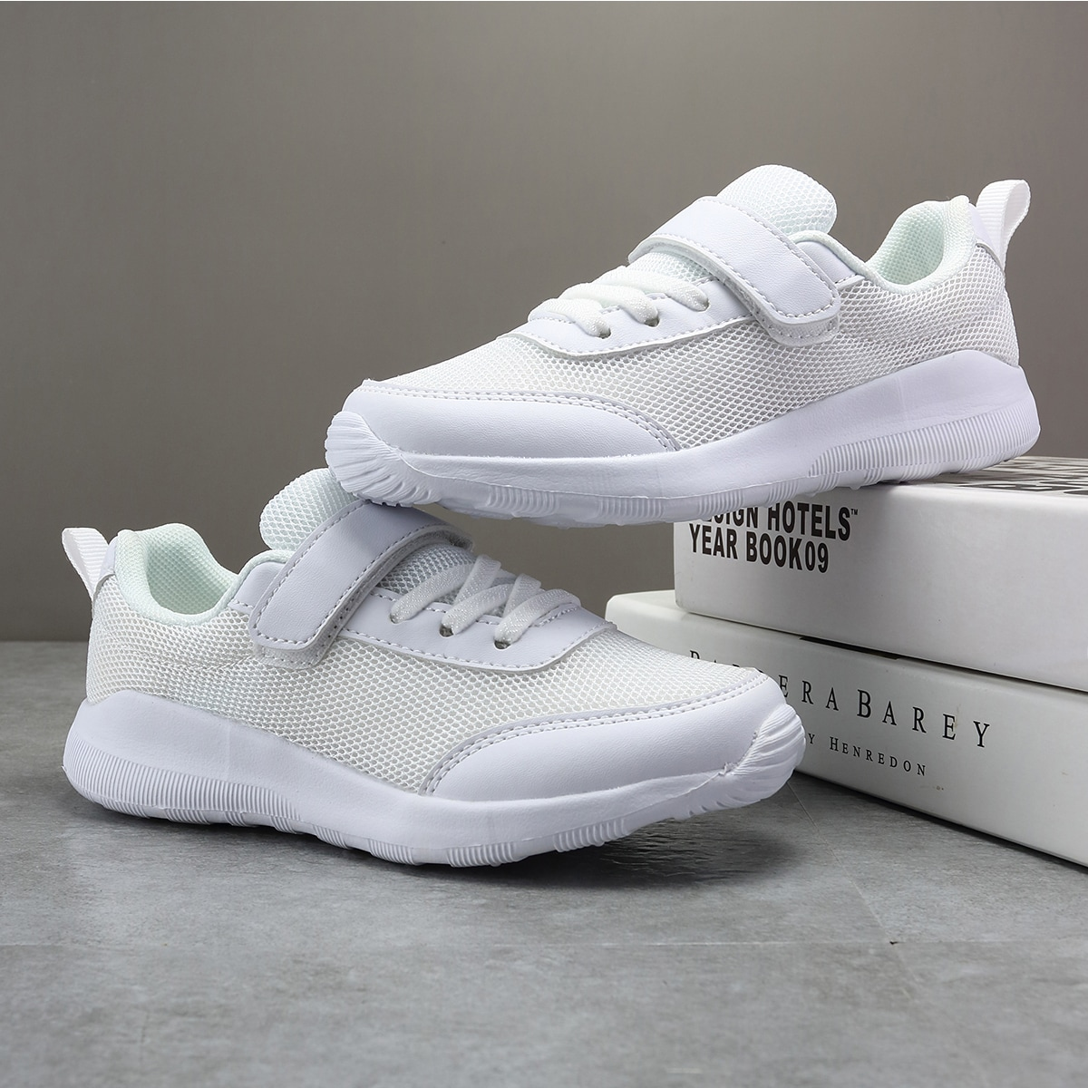 Минималистичные сетчатые кроссовки для девочек от SHEIN