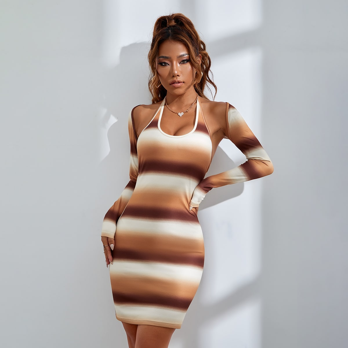 Облегающее платье с принтом тай-дай с узлом сзади с болеро