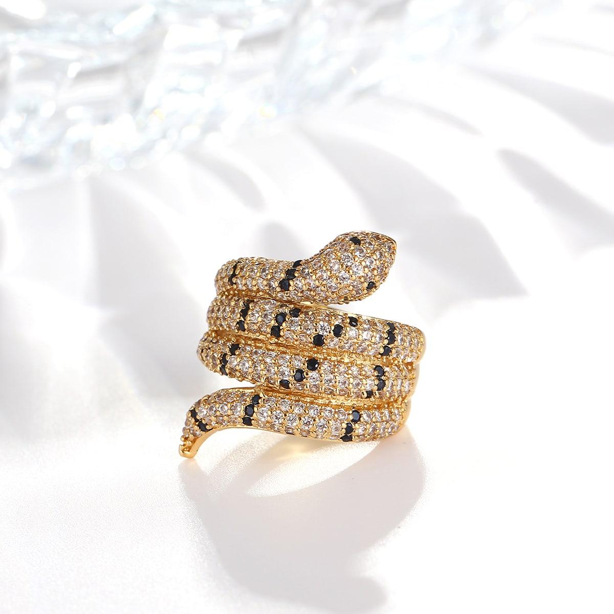 Кольцо с цирконом в форме змеи