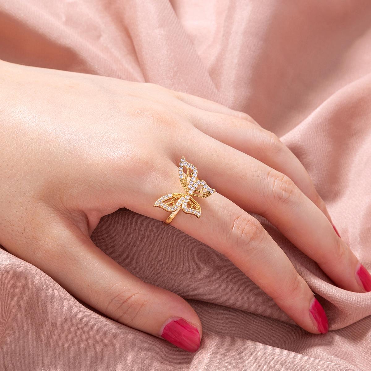 Открытое кольцо с бабочкой и цирконом