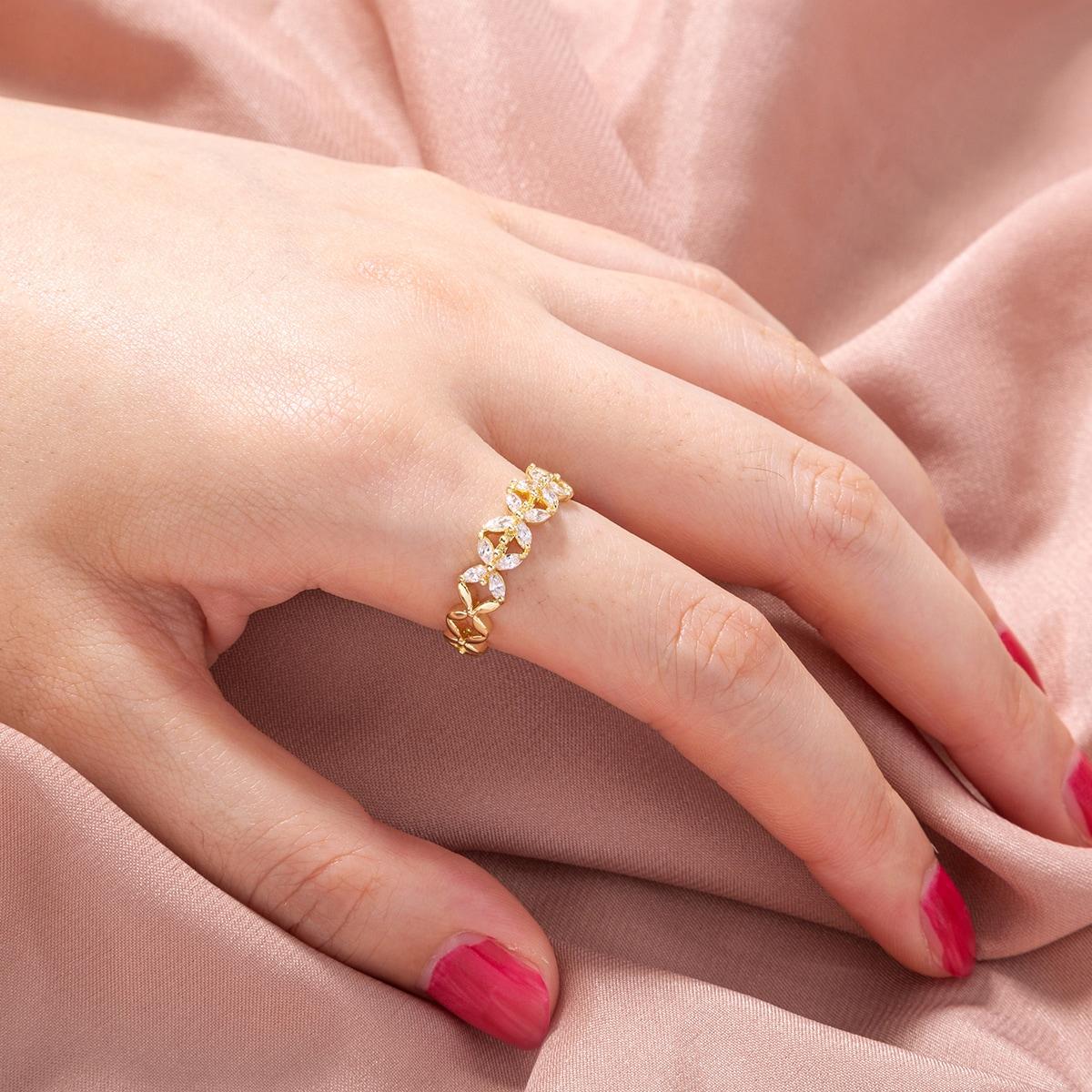 Открытое кольцо с цирконом