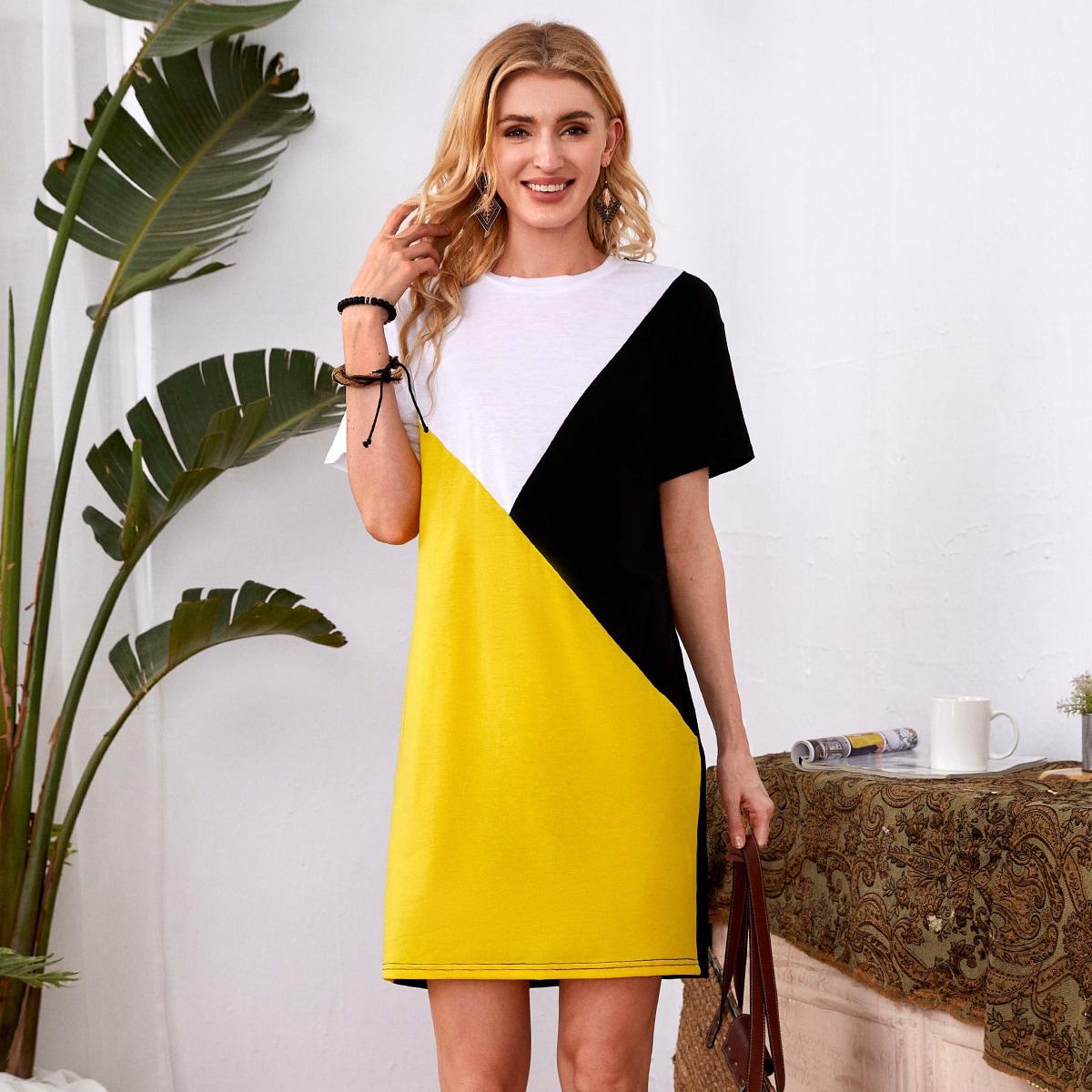 Платье-футболка комбинированным принтом с коротким рукавом SheIn swdress25210517187