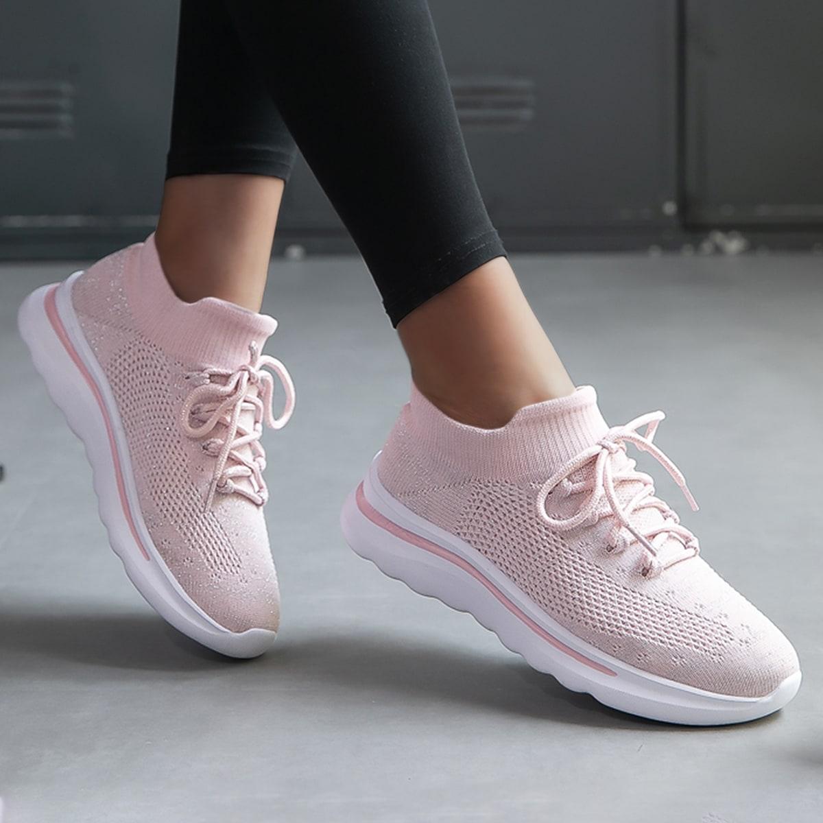 Беговая обувь на шнурке
