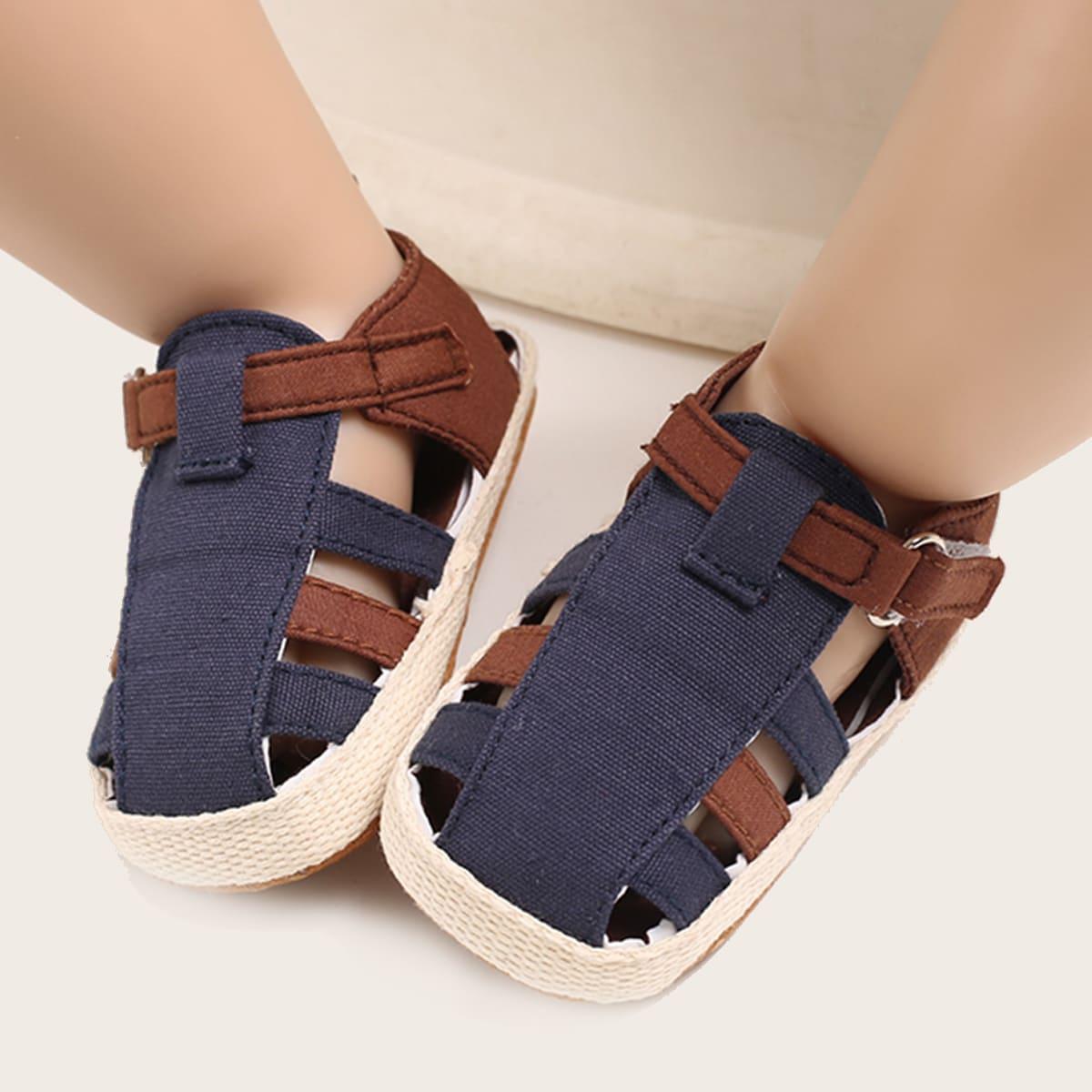 Двухцветные сандалии для мальчиков SheIn sk2106217027158741