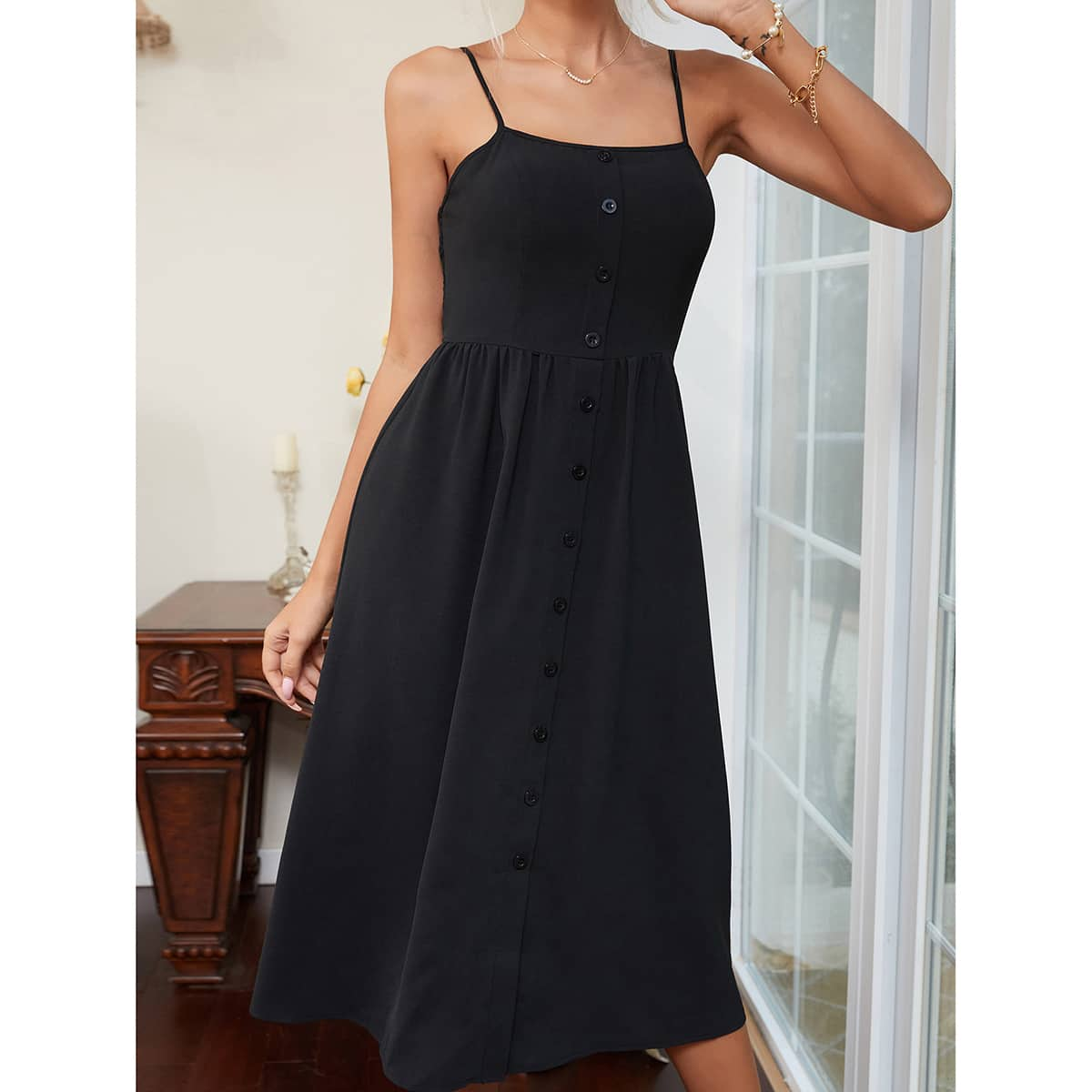 Платье на бретелях SheIn swdress44210521020