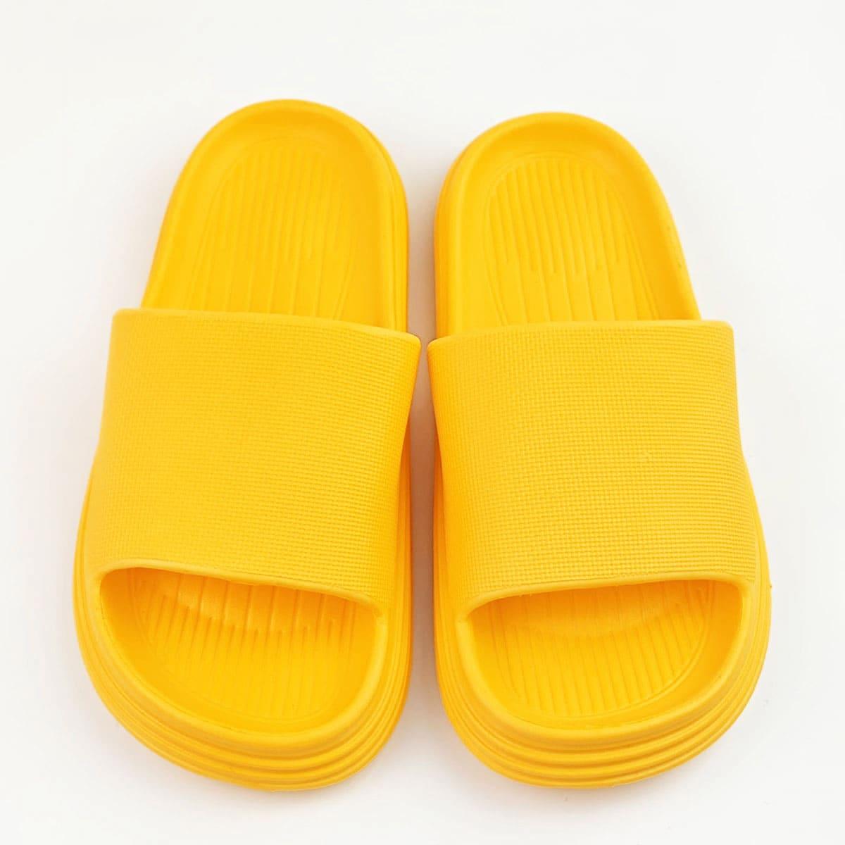Минималистичные шлепанцы с открытым носком
