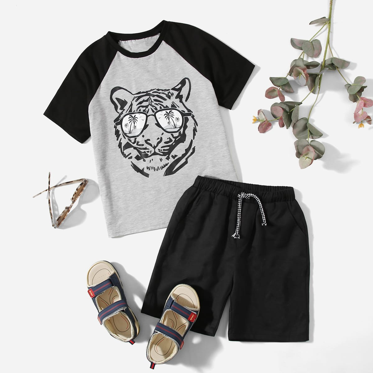Boys Tiger Print Raglan Sleeve Tee and Track Shorts Set, SHEIN  - buy with discount