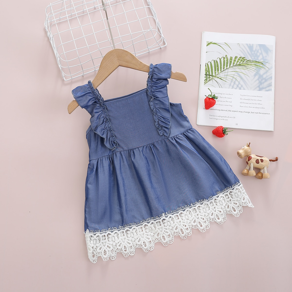 для девочек Джинсовое платье с кружевной отделкой с оборкой