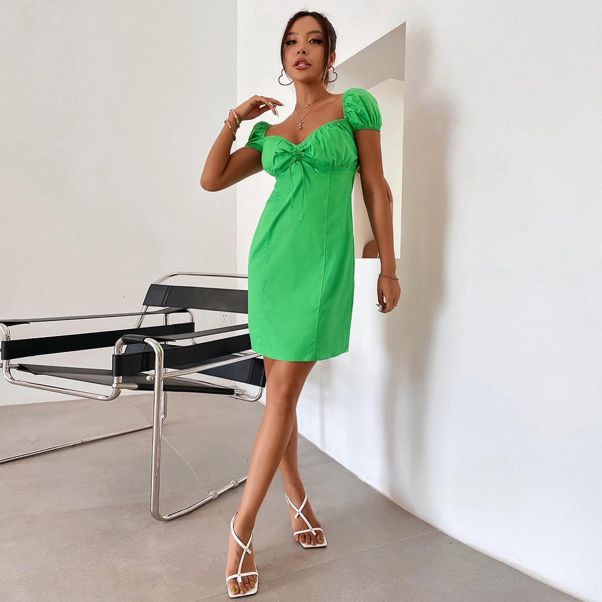 Облегающее плать с глубоким декольте SheIn swdress02210528026
