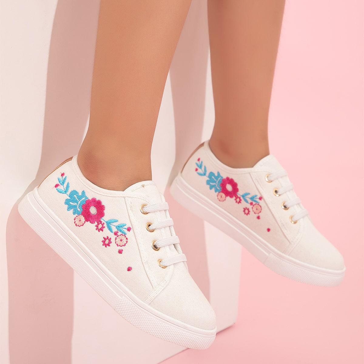для девочек Холщовые туфли с цветочной вышивкой со шнурком от SHEIN