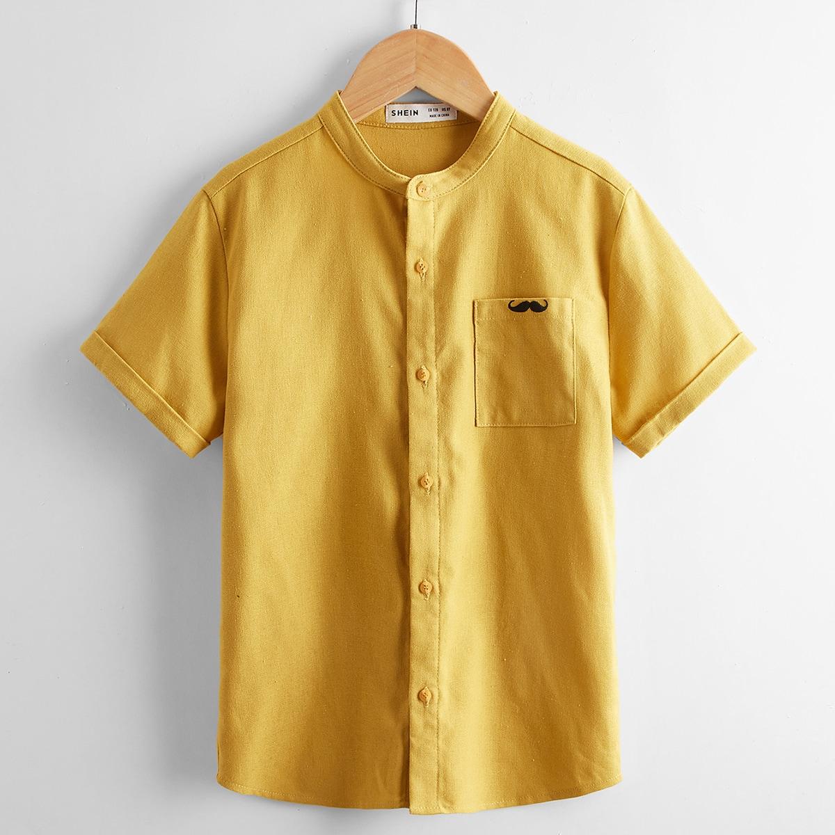 Рубашка на пуговицах с вышивкой усов и карманом для мальчиков