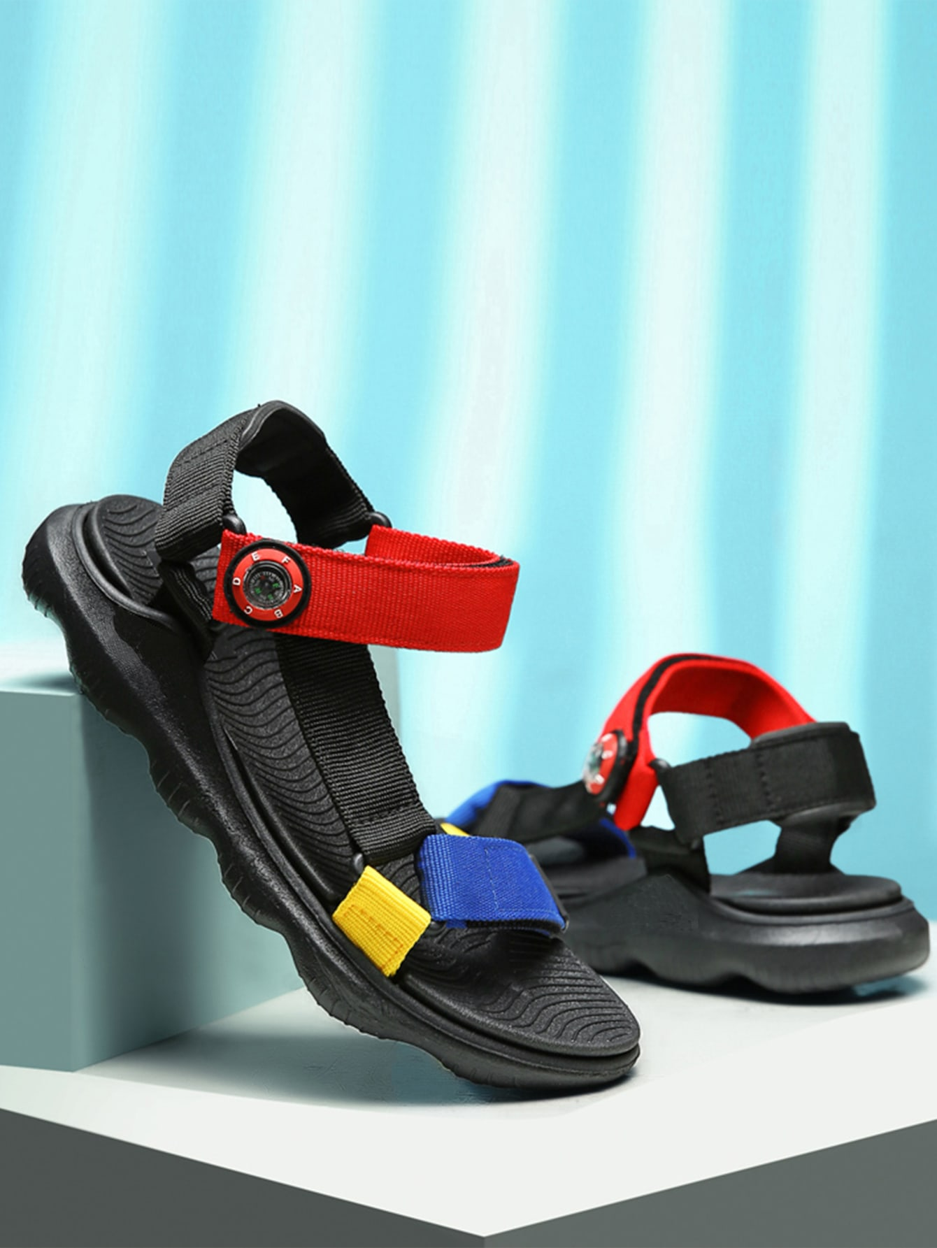 Boys Colorblock Triangle Linked Sandals