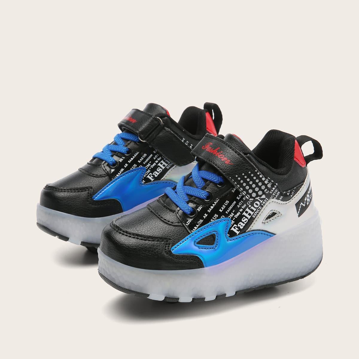 Туфли на роликах с зарядкой USB и текстовым принтом для мальчиков от SHEIN