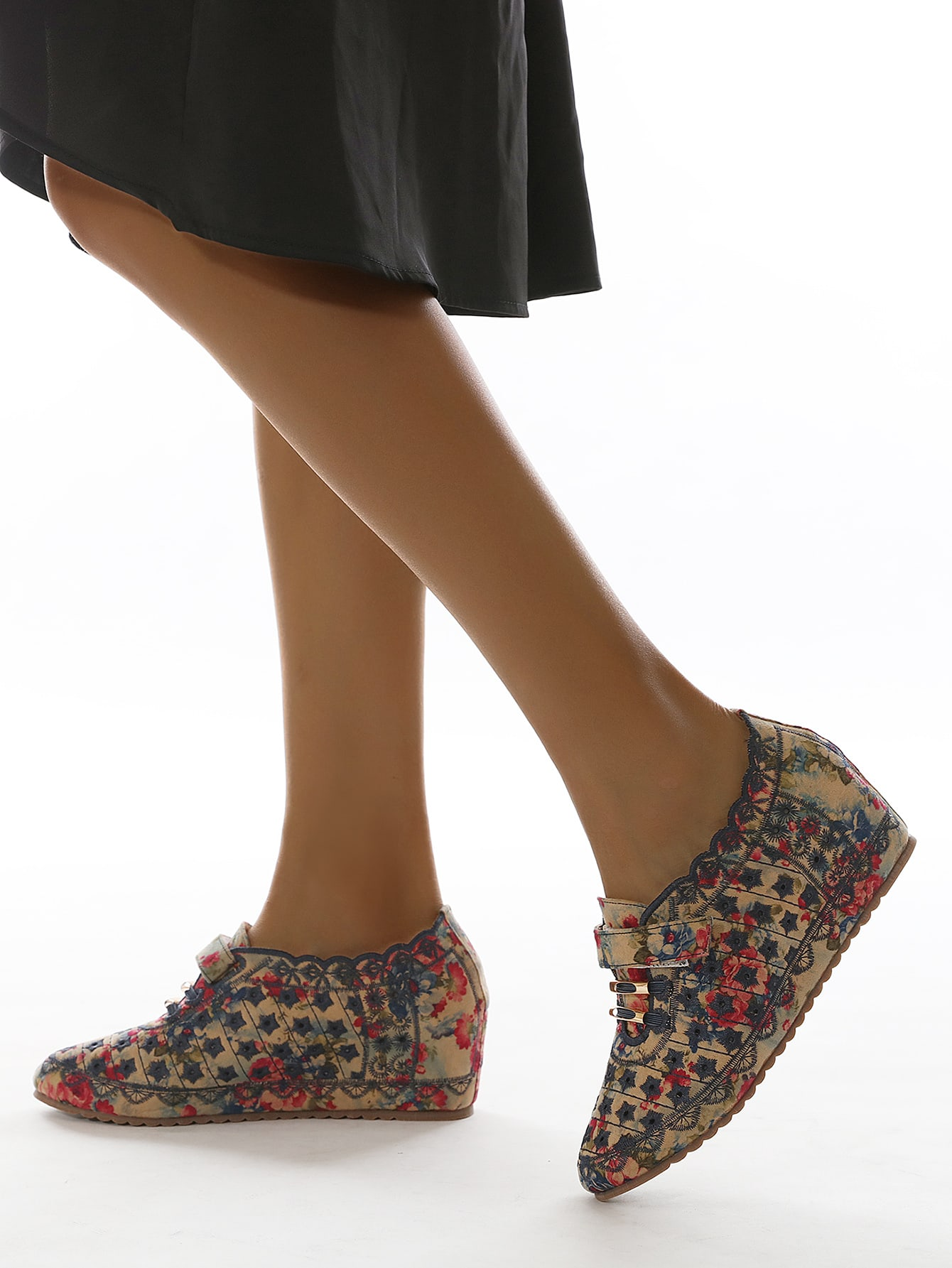 Floral Pattern Wedge Court Shoes