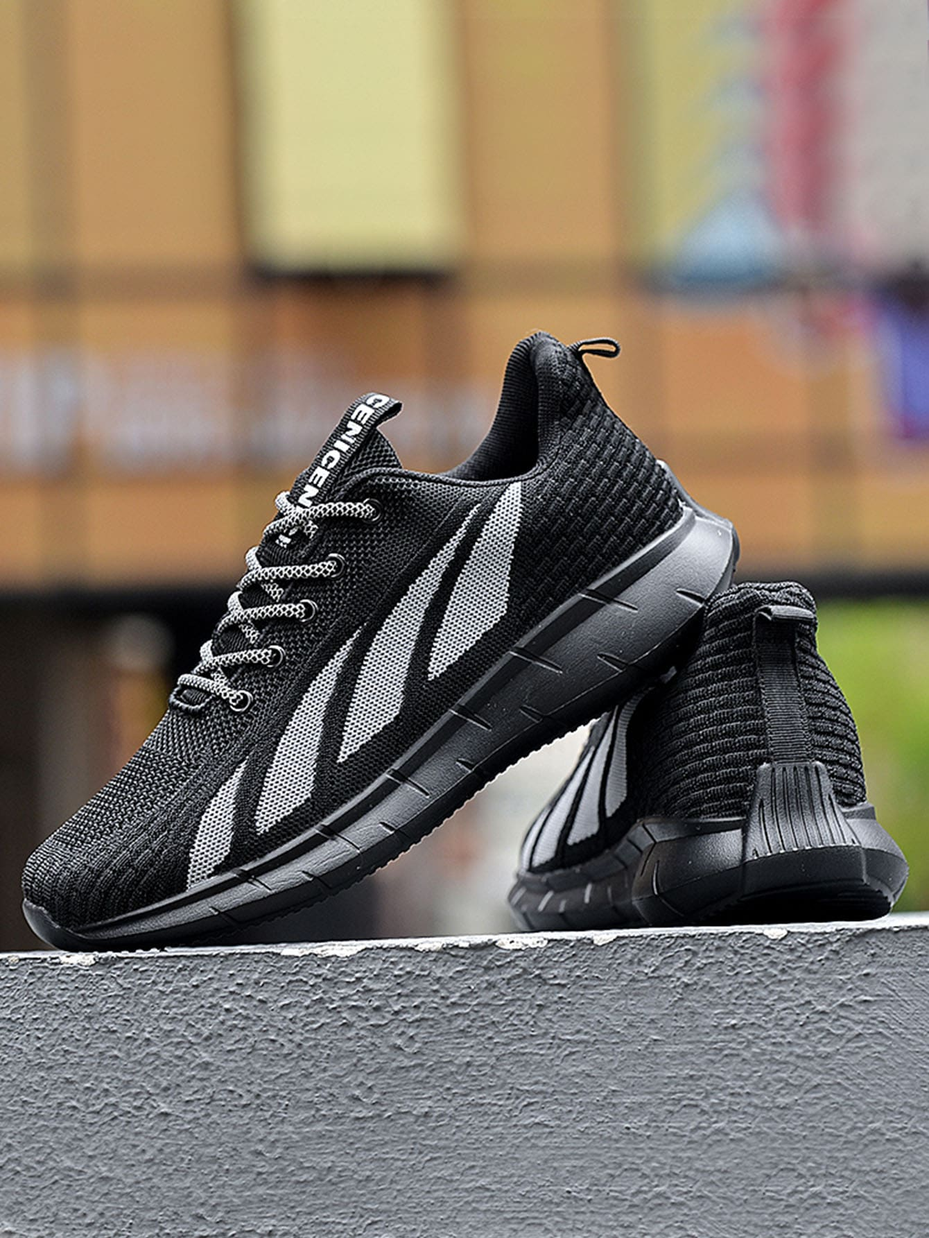 Men Knit Detail Graphic Lace-Up Front Running Shoes