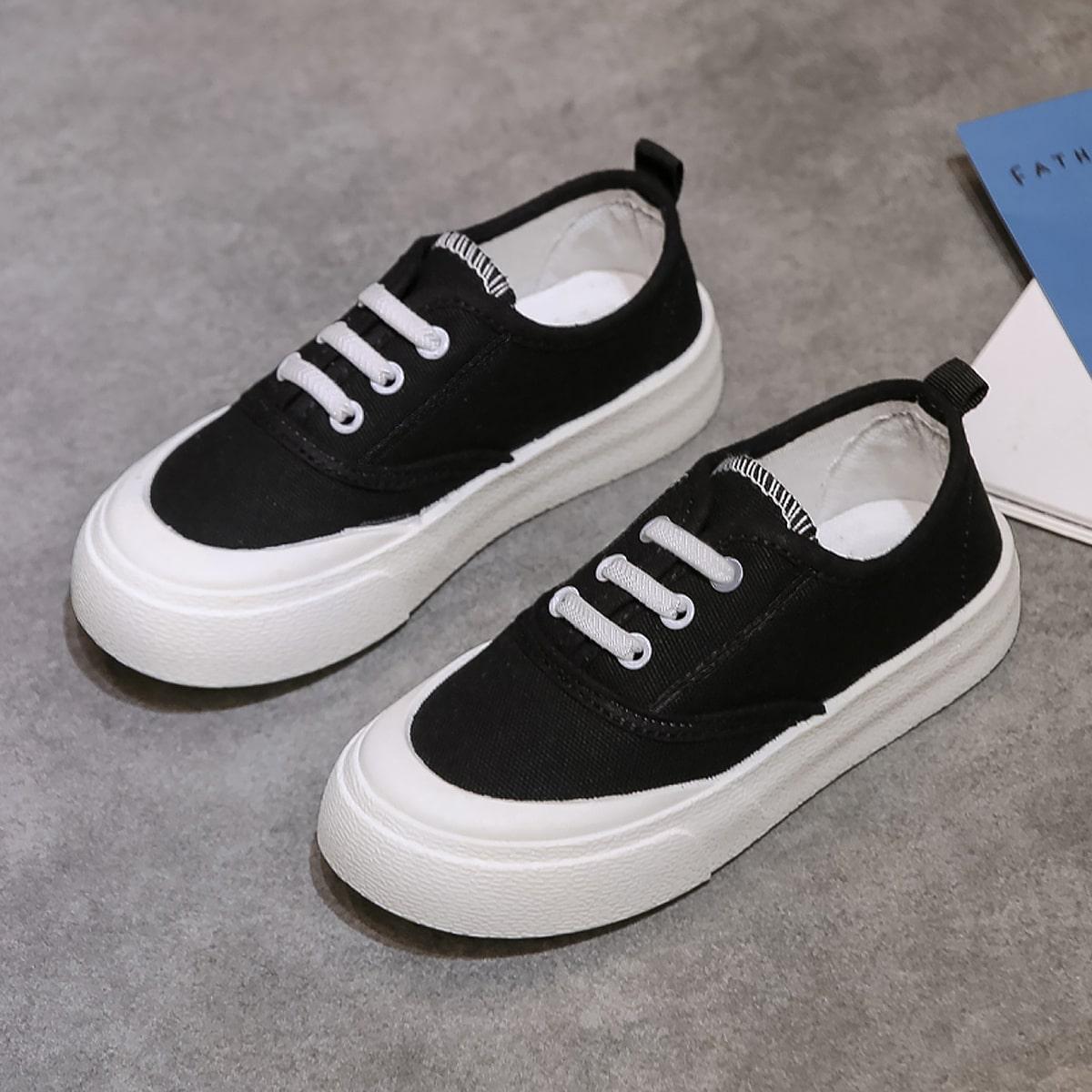 Минималистичные холщовые туфли на шнурке для мальчиков от SHEIN