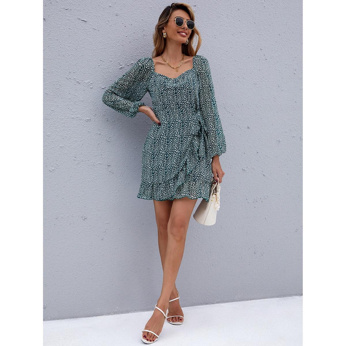 Платье с принтом и глубоким декольте SheIn sW210611253411266