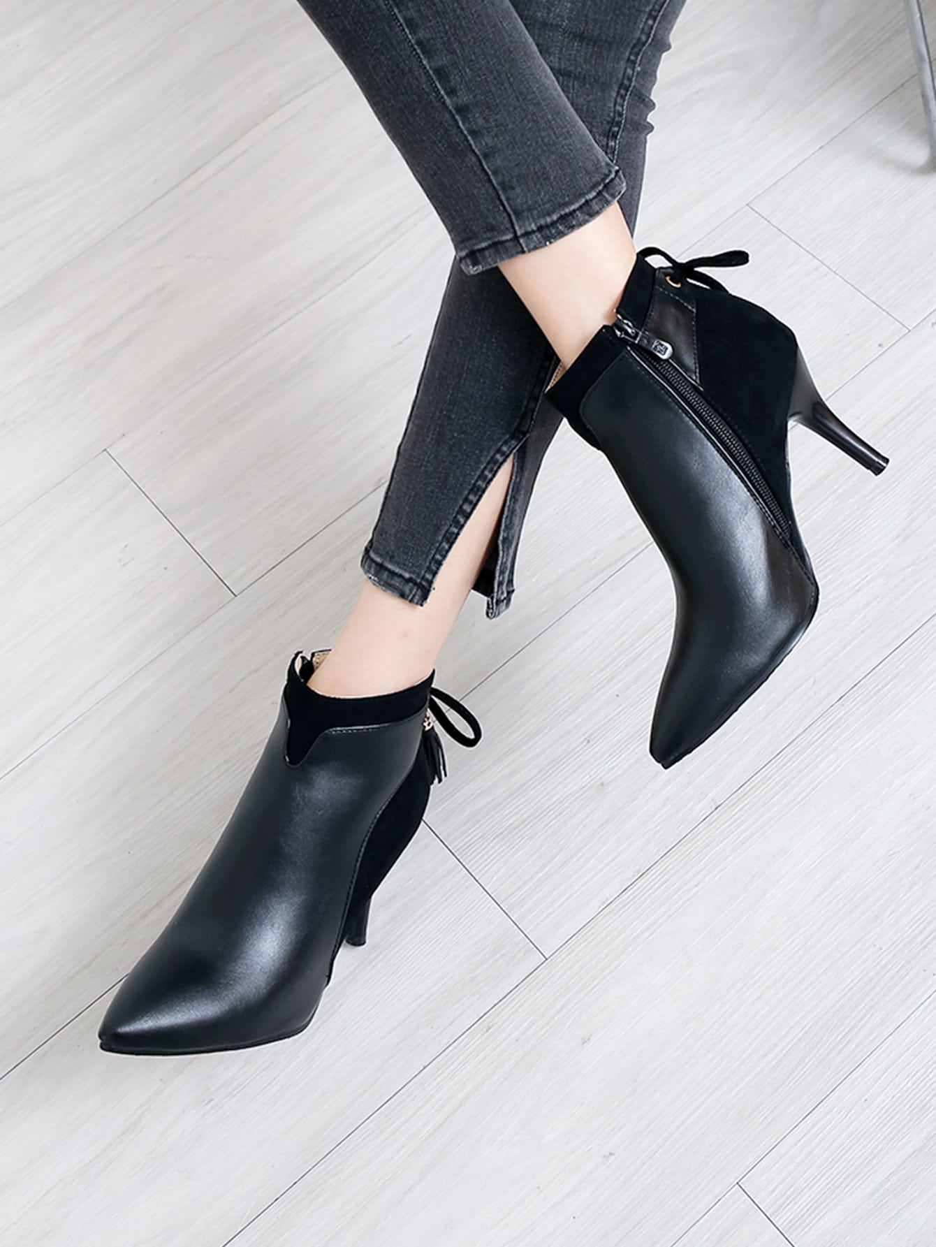 Point Toe Tie Back Stiletto Heeled Boots