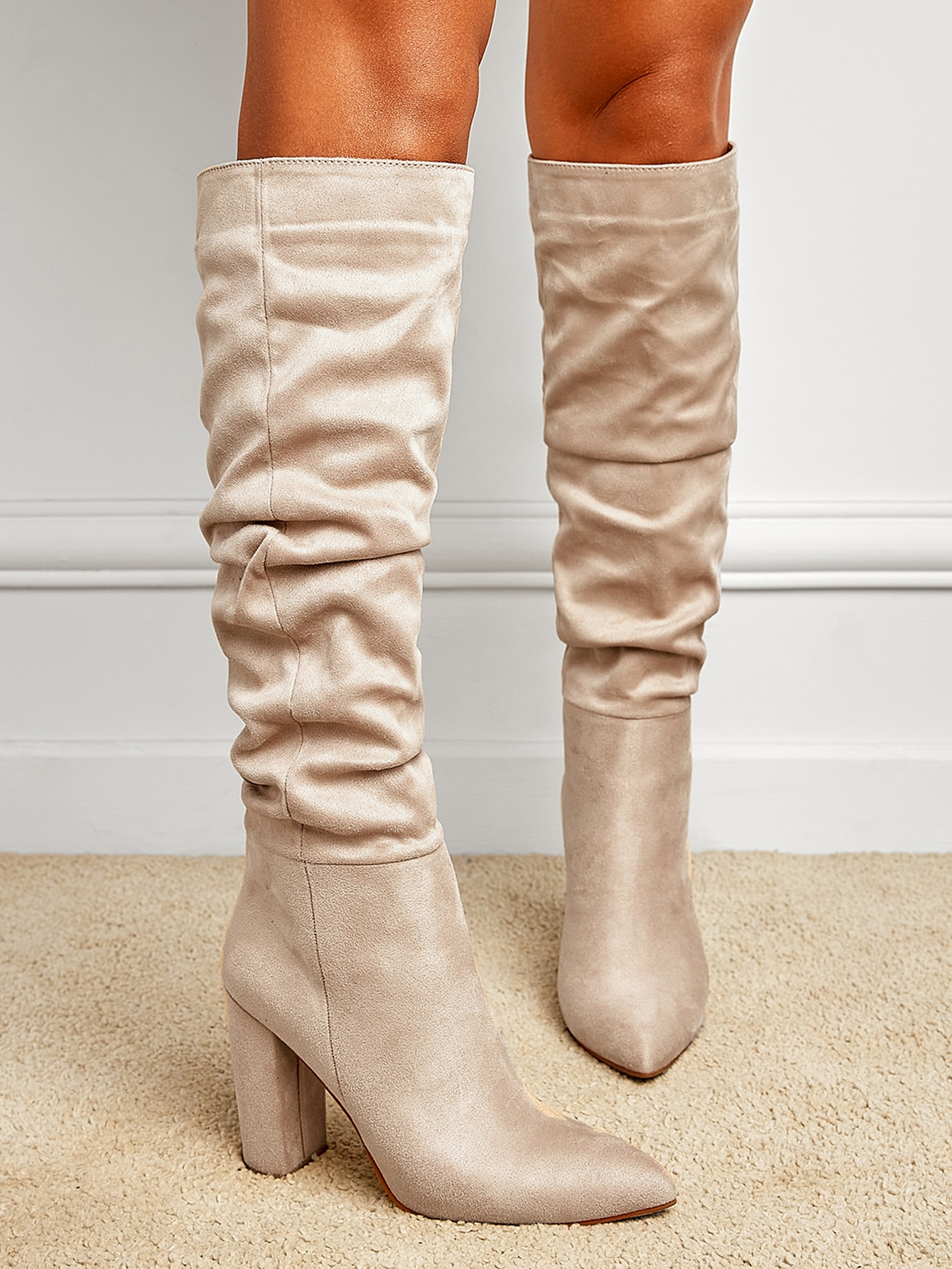 Minimalist Suede Slouchy Boots