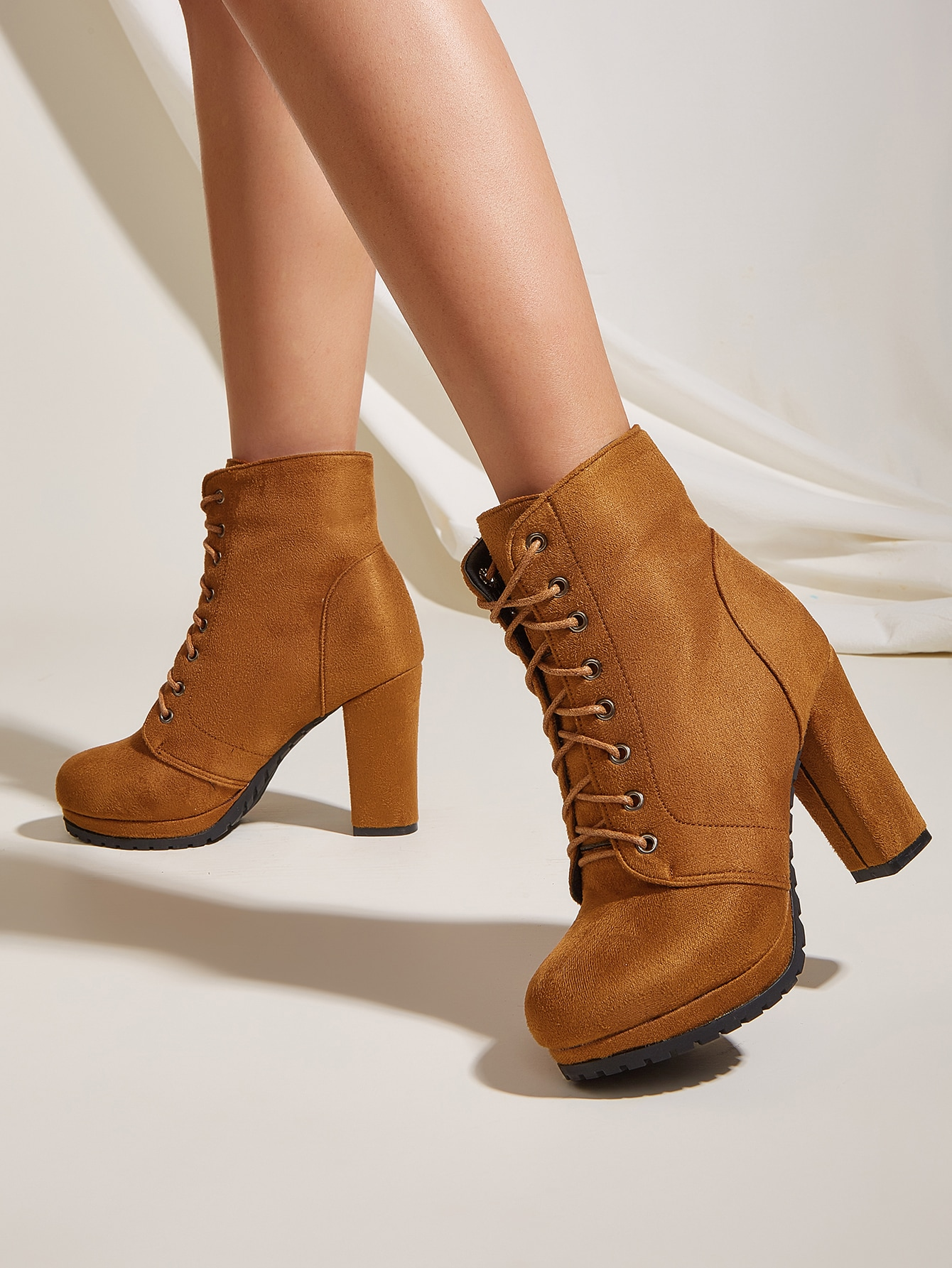 Minimalist Lace-Up Front Chunky Heeled Boots