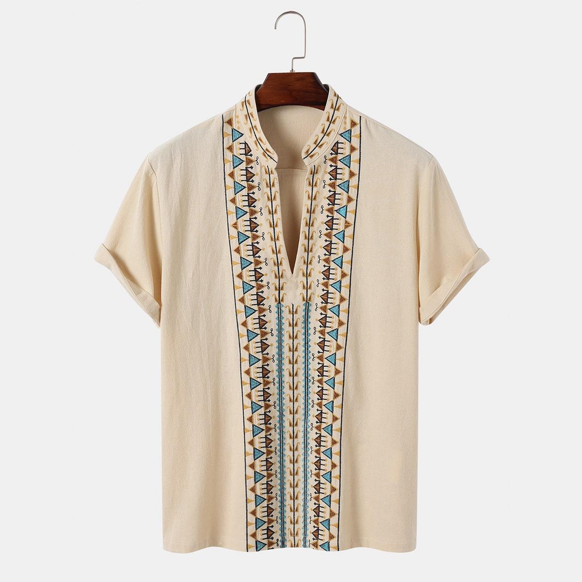 Мужская рубашка с геометрической вышивкой