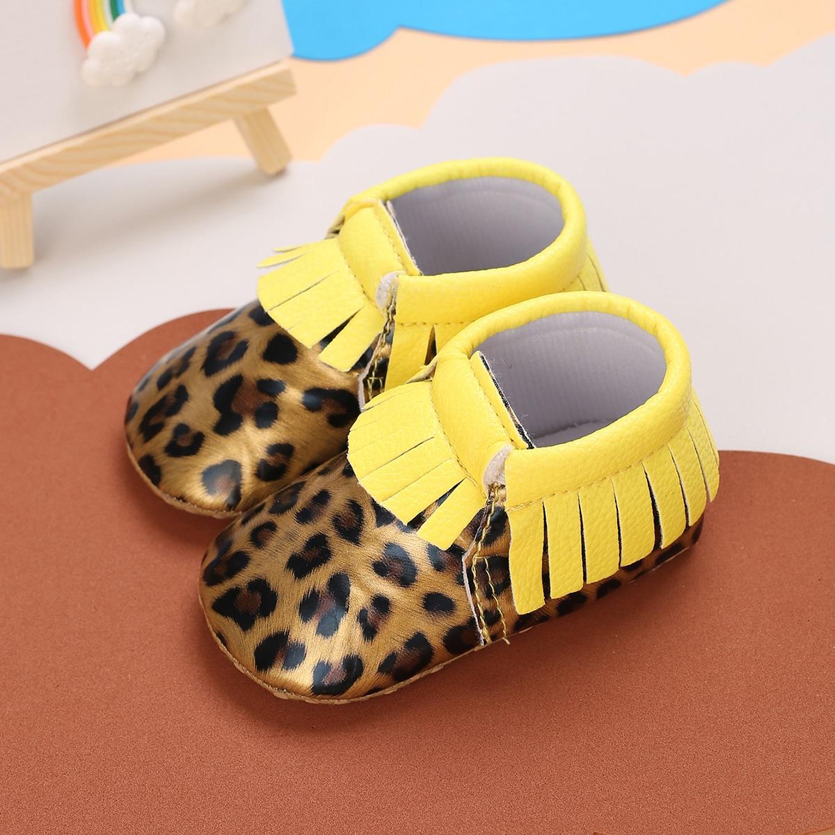 Ботинки с леопардовым принтом и бахромой для девочек