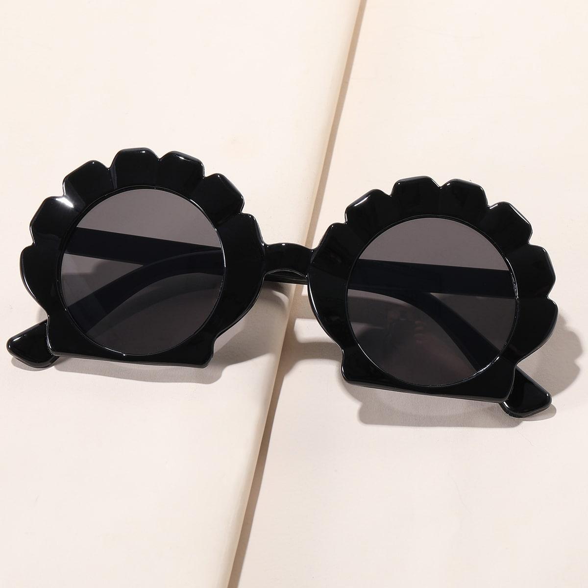 Детские солнцезащитные очки в геометрической оправе