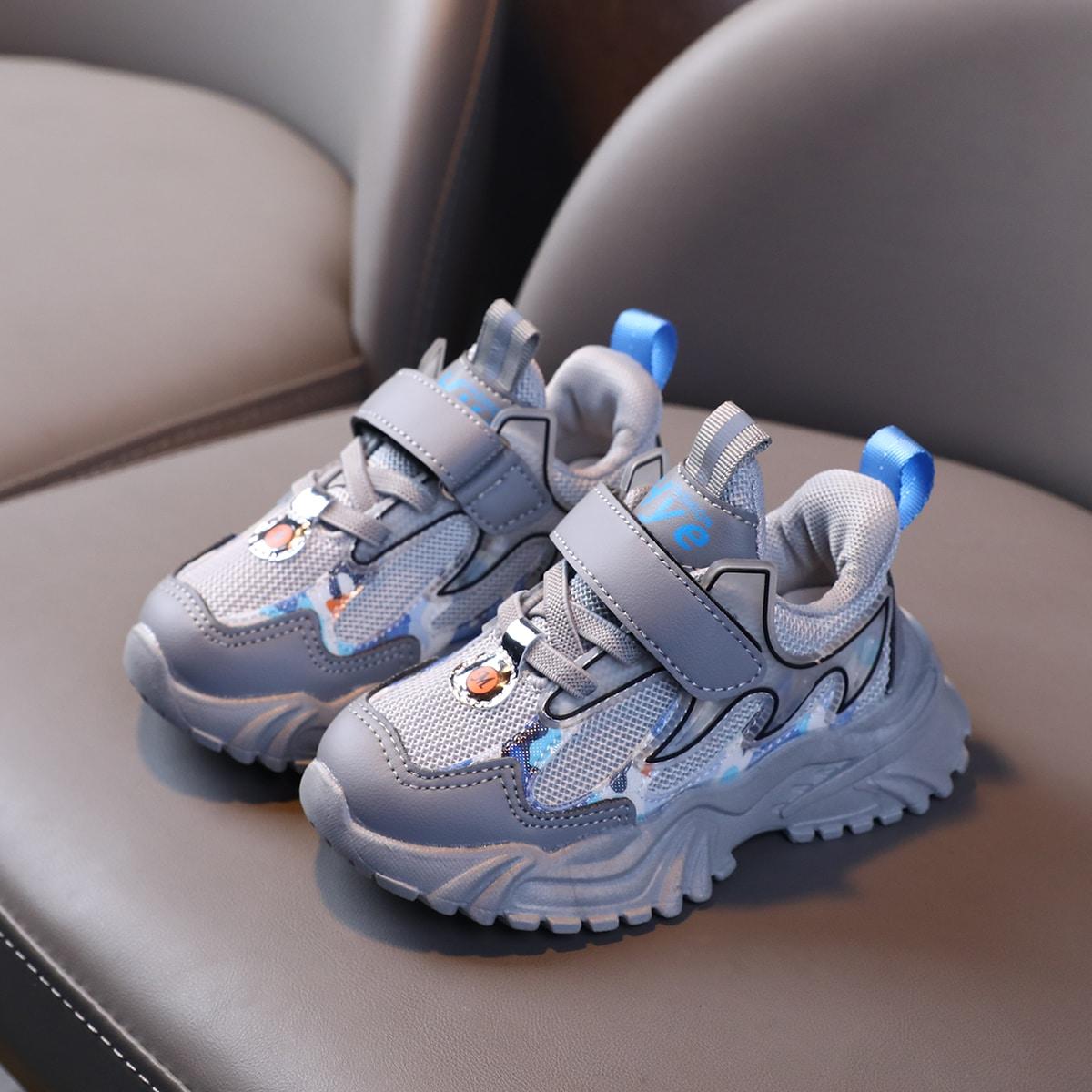 Кроссовки для девочек от SHEIN