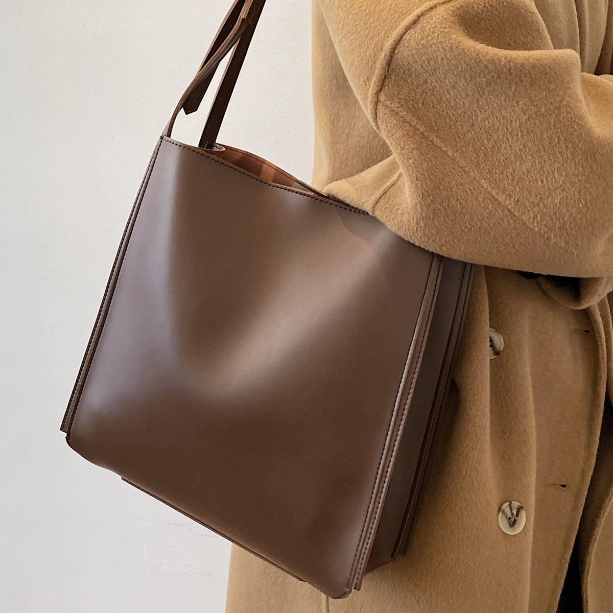 Минималистичная сумка-тоут
