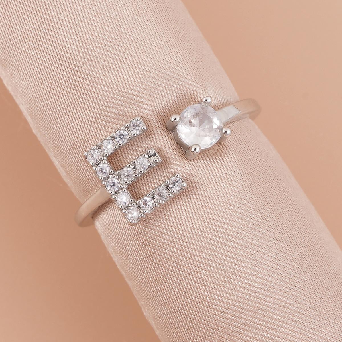 Открытое кольцо со стразами с буквой
