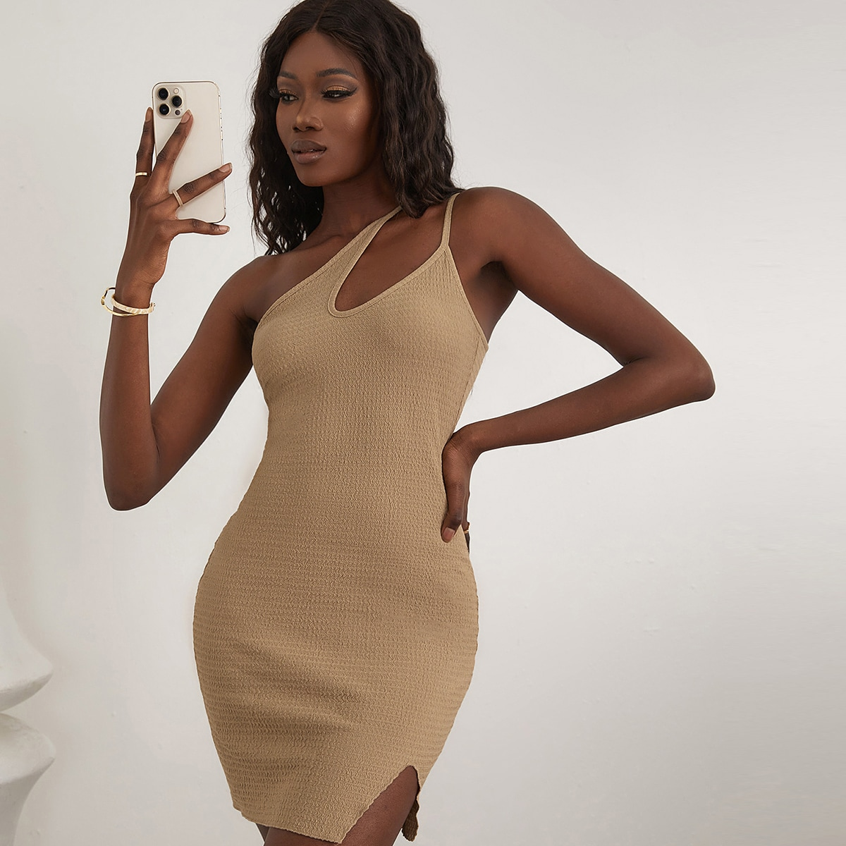 Платье на одно плечо SheIn sw2106211019991771